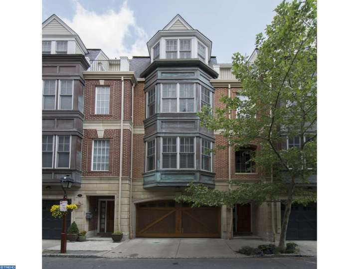 Spacious Townhome For Rent – 229 Gaskill St., Philadelphia, PA 19147